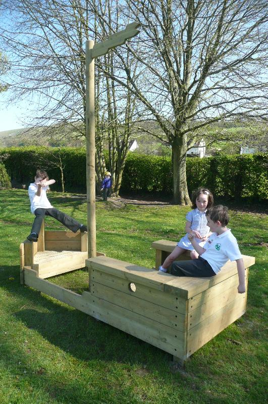 Playboat in grounds